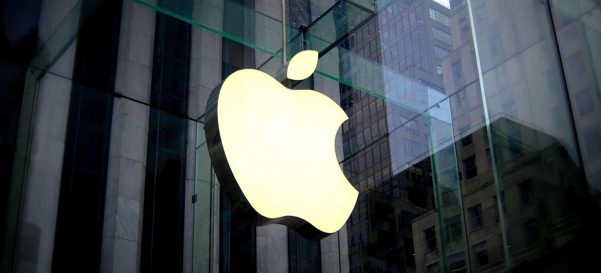 Chytrá cesta, jak obchodovat akcie Apple s opcemi. 2 roční BackTest opční strategie s výsledkem zhodnocení 182%.