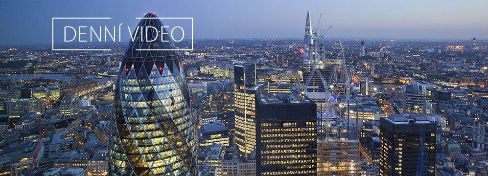 Finanční, energetický sektor a akciové indexy na maximech. Video.